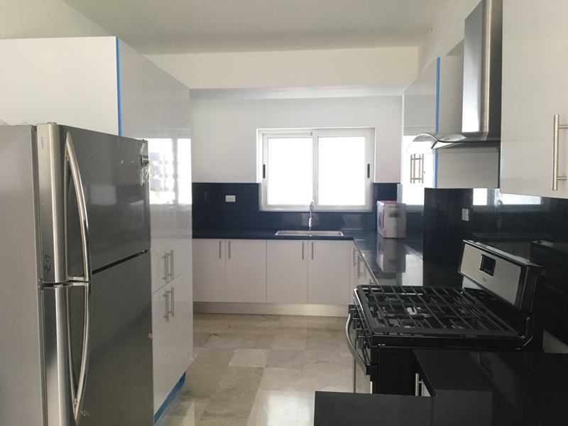 Apartamentos en alquiler en Santo Domingo, Serralles. www.inmobiliariaeliterd.com 4