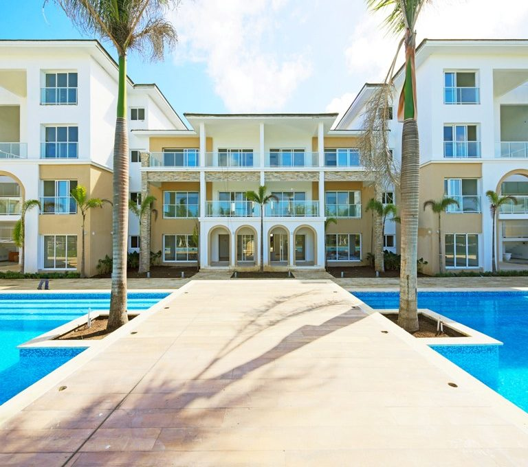 Apartamentos en venta Punta Cana. www.inmobiliariaeliterd.com 13